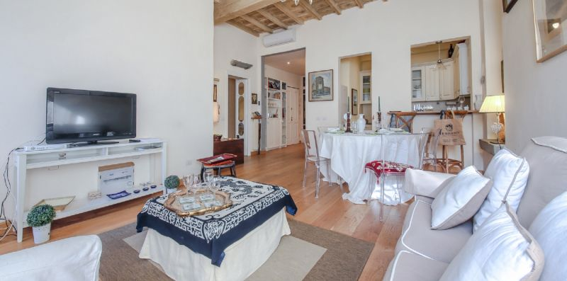 Appartamento Santa Reaparata Splendor - Apartments Florence