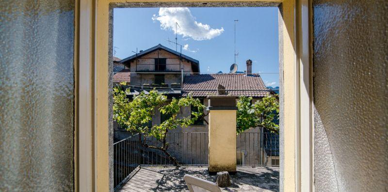 La veranda esterna con due sdraio - Charming House Bice