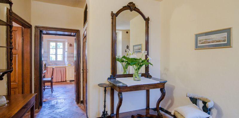L'atrio d'ingresso finemente arredato - Charming House Bice