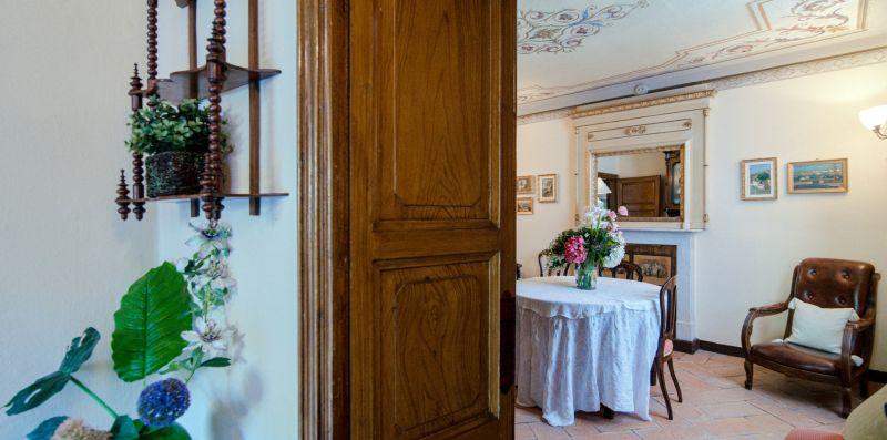 Ingresso al bellissimo e fine salottino - Charming House Bice