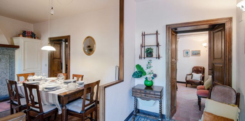 L'atrio d'ingresso e la sala da pranzo - Charming House Bice