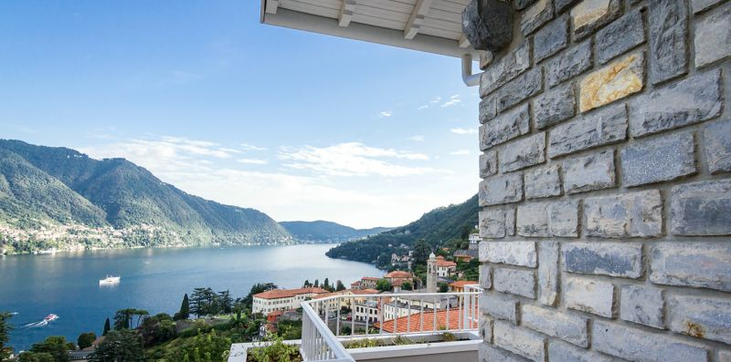 Shimmering Waters - My Home in Como