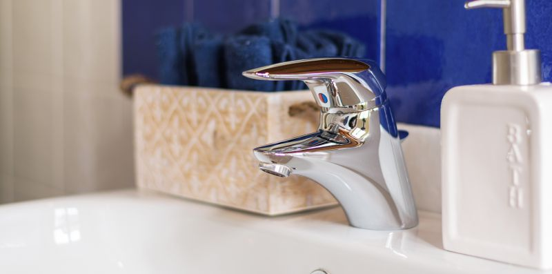 rubinetteria in acciaio del lavabo - Contrada San Giacomo