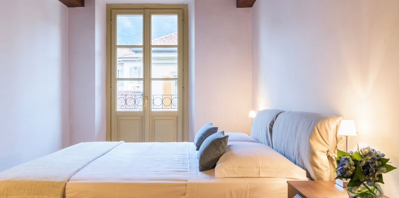 Camera da letto matrimoniale arredata - Contrada San Giacomo