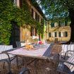 Il tavolo in ferro nel giardino - Villa Crivelli Visconti