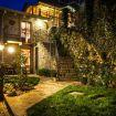Vista notturna della villa in esterna - Le Casette Tivano