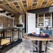 Il tavolino della zona pranzo con le sedie - loft Valverde