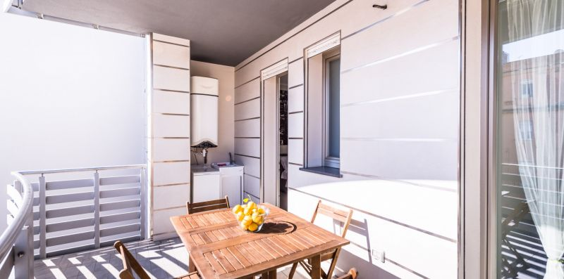 Elegant apartment with private parking & Netflix - Estay srl