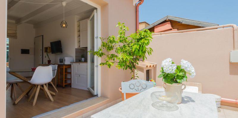 Attico con vista a 300 gradi su Cagliari - Estay srl