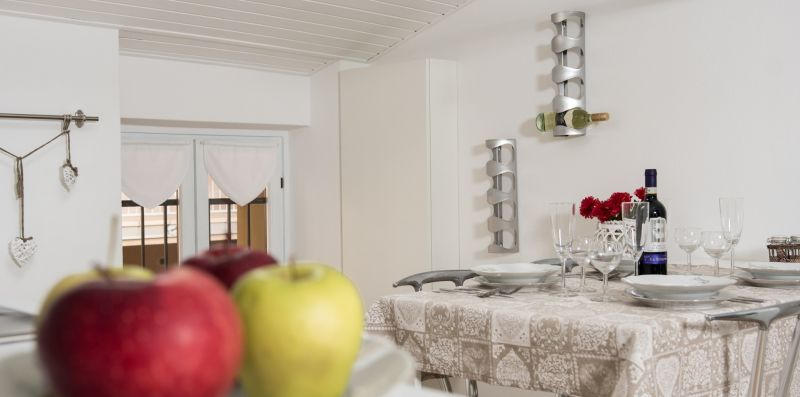 Feel at Home - IL NIDO SUL LAGO - Feel at Home srl