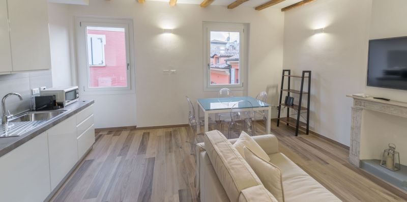 Realkasa Canonica Apartment - realkasa