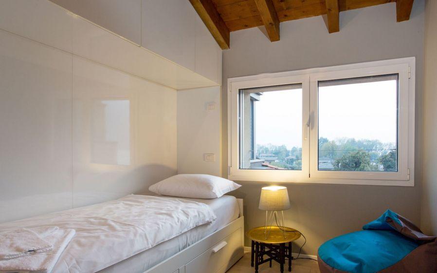C301 LUXURY 4 BEDROOM