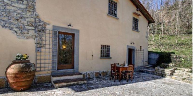 Villa Casaglia 4-apartment With Shared Pool -  ST SRLS