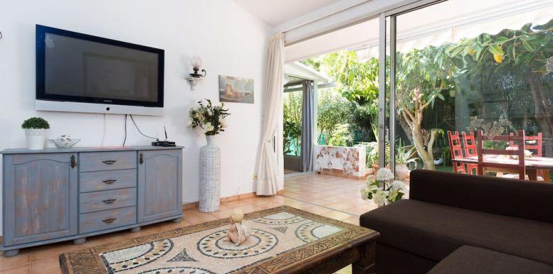 Bulgalow con giardino privato a 5min dalla spiaggia - Hemeras Boutique Homes