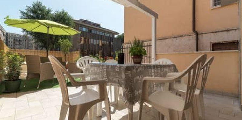Piramide Apartment with Private Garden - iFlat