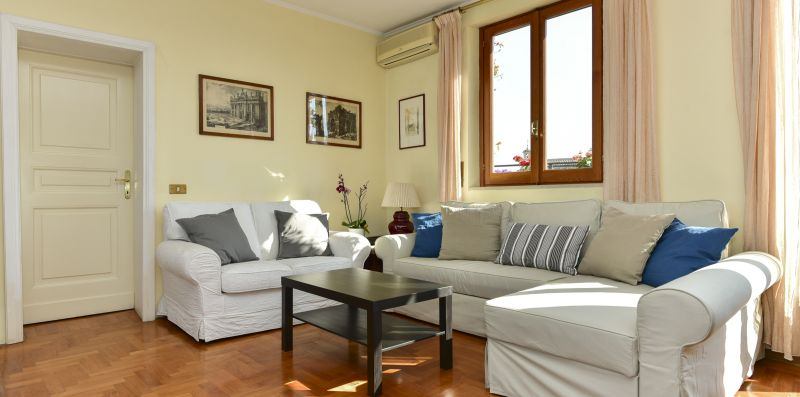 Rome at Your Feet with Terrace - iFlat