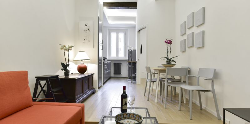 Campo de' Fiori Brand New Apartment - iFlat