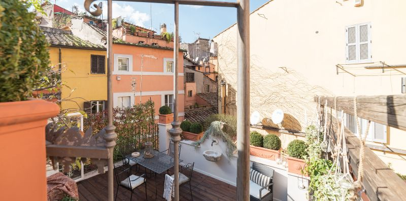 Charming Luxury Navona Apartment in Historic Building - iFlat