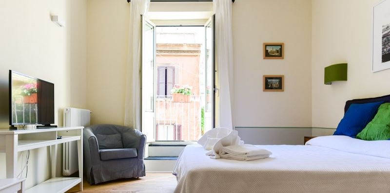 Monti Brand New Apartment - iFlat