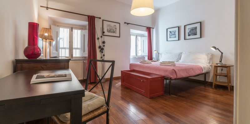 Spanish Steps Studio Apartment - iFlat