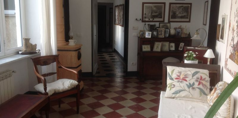 Big apartment on the medieval wall - Levanto Immobiliare