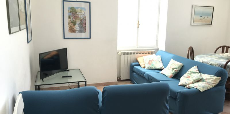 Two bedroom apartment in downtown - Levanto Immobiliare