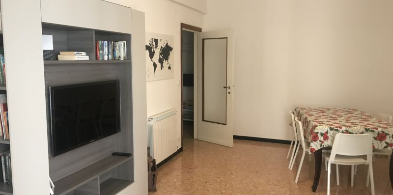 Modern apartment with three bedrooms - Levanto Immobiliare