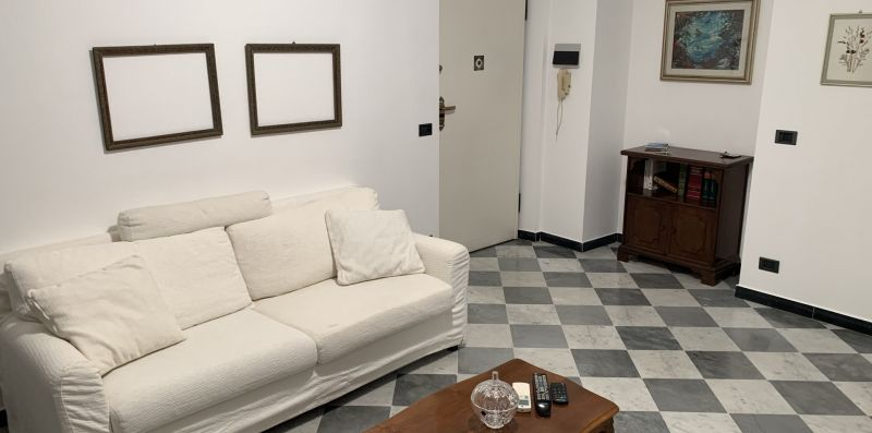 Trilocale in pieno centro - Levanto Immobiliare