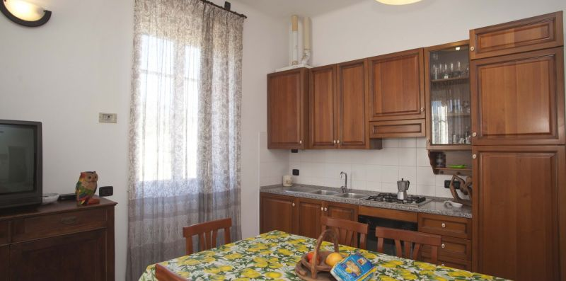 Two bedrooom apartment in the heart of Levanto - Levanto Immobiliare