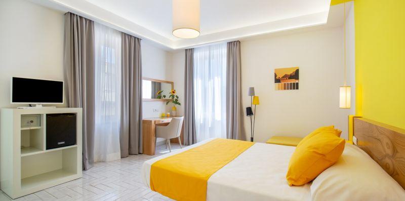 Corte's House Yellow Suite - Sorrento Vibes