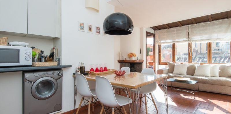 Trastevere Enchanting Apartment Terrace - Rome Sweet Home