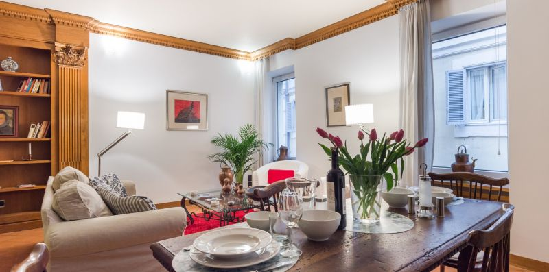 Luxury Trevi Fountain Apartment - Rome Sweet Home