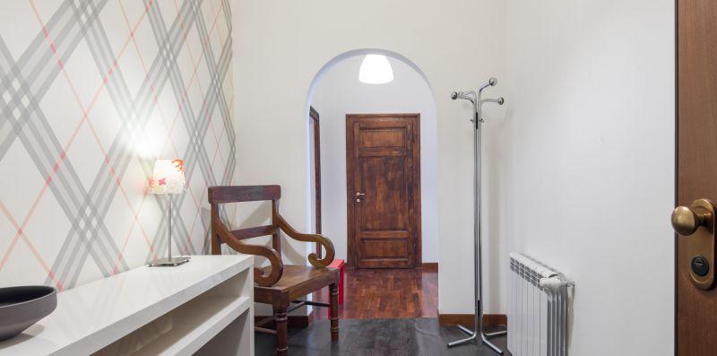 British Embassy Red Apartment - Rome Sweet Home