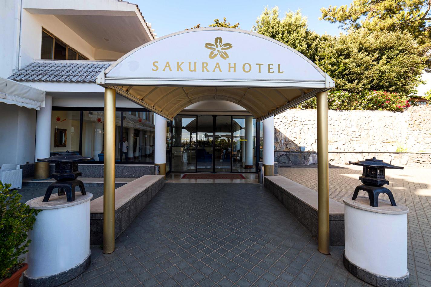 Hotel Sakura Esterni