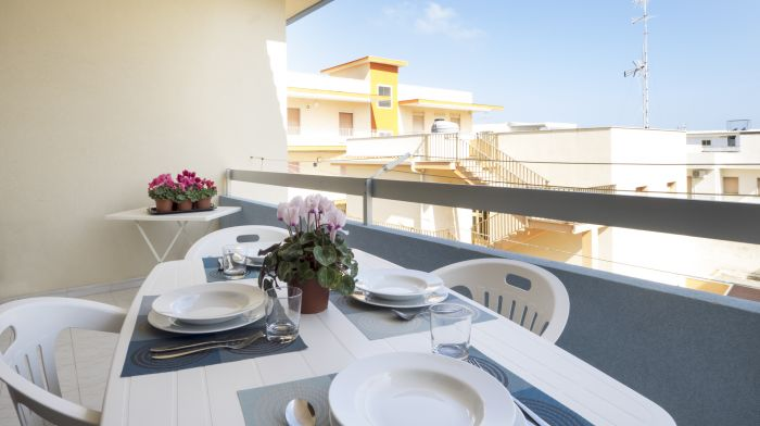 Casa Girasole 2,  20 meters from the beach