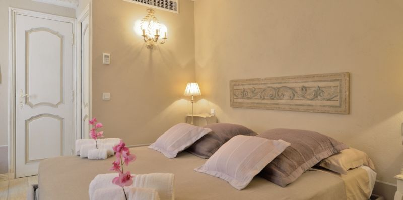 St Tropez Romantic House - suitelowcost