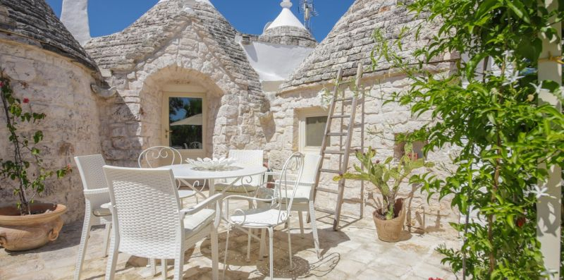 Trulli di Bouganville - Talea Collection