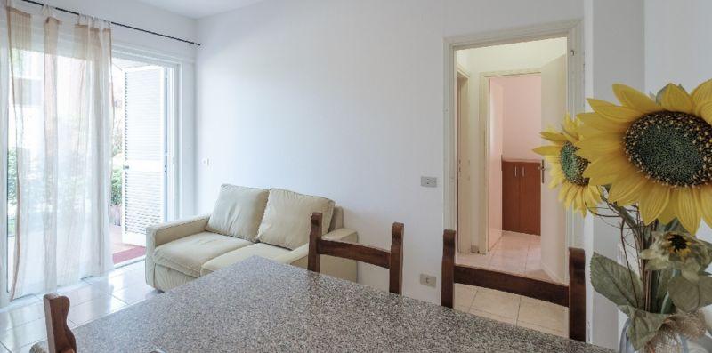 HOLIDAY SIRMIONE B8 Apartment - con piscina fronte lago  e parcheggio interno - Vivere il Garda