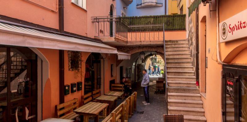VIA ROMA 21 DESENZANO - Vivere il Garda