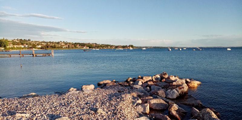 DA LAURA - monolocale piano terra con piscina fronte lago - Vivere il Garda