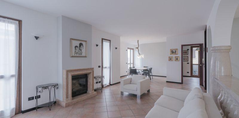 CASA MARY TRE - attico con terrazza a 2 passi dal lago - Vivere il Garda