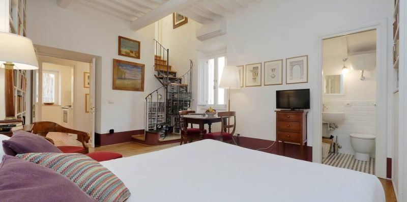 GRILLO ROMA - Incantevole appartamento con terrazzo e vista sui Fori Imperiali per 4  - Weekey Rentals