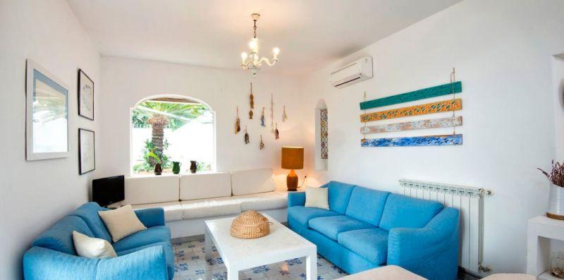 ISCHIA 2 - Bellissimo appartamento con terrazza vista mare per 8 - Weekey Rentals