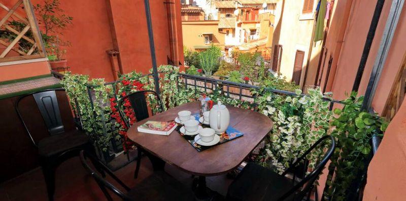 PELLICCIA ROMA - Comodo appartamento con balcone per 6 - Weekey Rentals