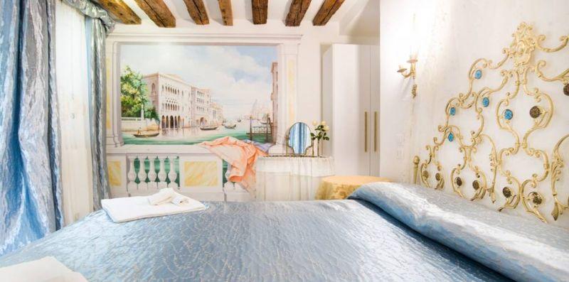 SAN MAURIZIO VENEZIA - Comodo appartamento in stile classico per 4  - Weekey Rentals