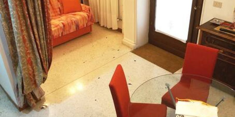 SUNRISE VENEZIA - Grazioso appartamento per 4  - Weekey Rentals
