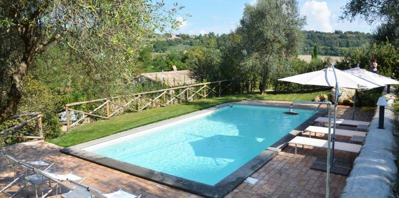 Casale Fontana Mancina- Splendido casale per 8 pax immerso nel verde nella campagna  - Weekey Rentals
