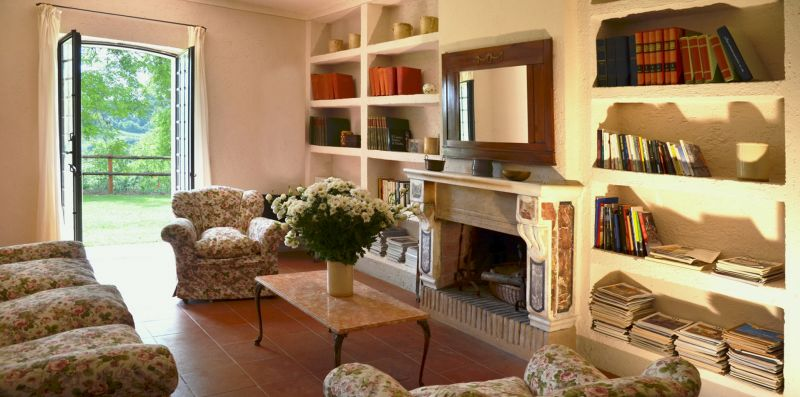 Casale Poggio  -  Splendido casale panoramico per 8 nella campagna vicino Orvieto - Weekey Rentals