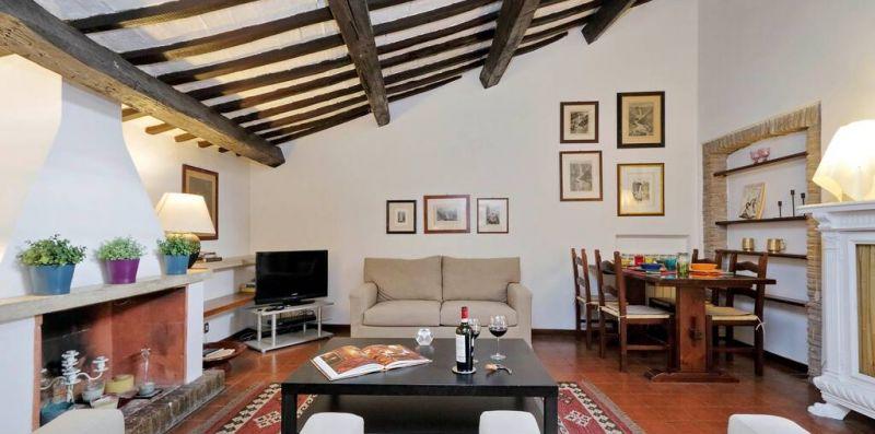 BENEDETTA ROMA - Romantica mansarda con balcone per 4  - Weekey Rentals
