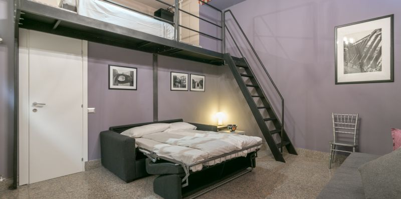 NICE LOFT AT CENTRAL STATION WIFI-NETFLIX-AIR COND - We Rent Italy